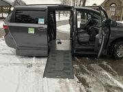 2015 Toyota Sienna XLE Mini Passenger Van 4-Door
